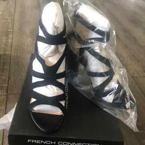 French Connection Isla stealth sandal US 9 NWT